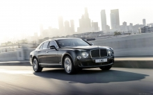 Черный Bentley Mulsanne на улицах Лос-Анджелеса