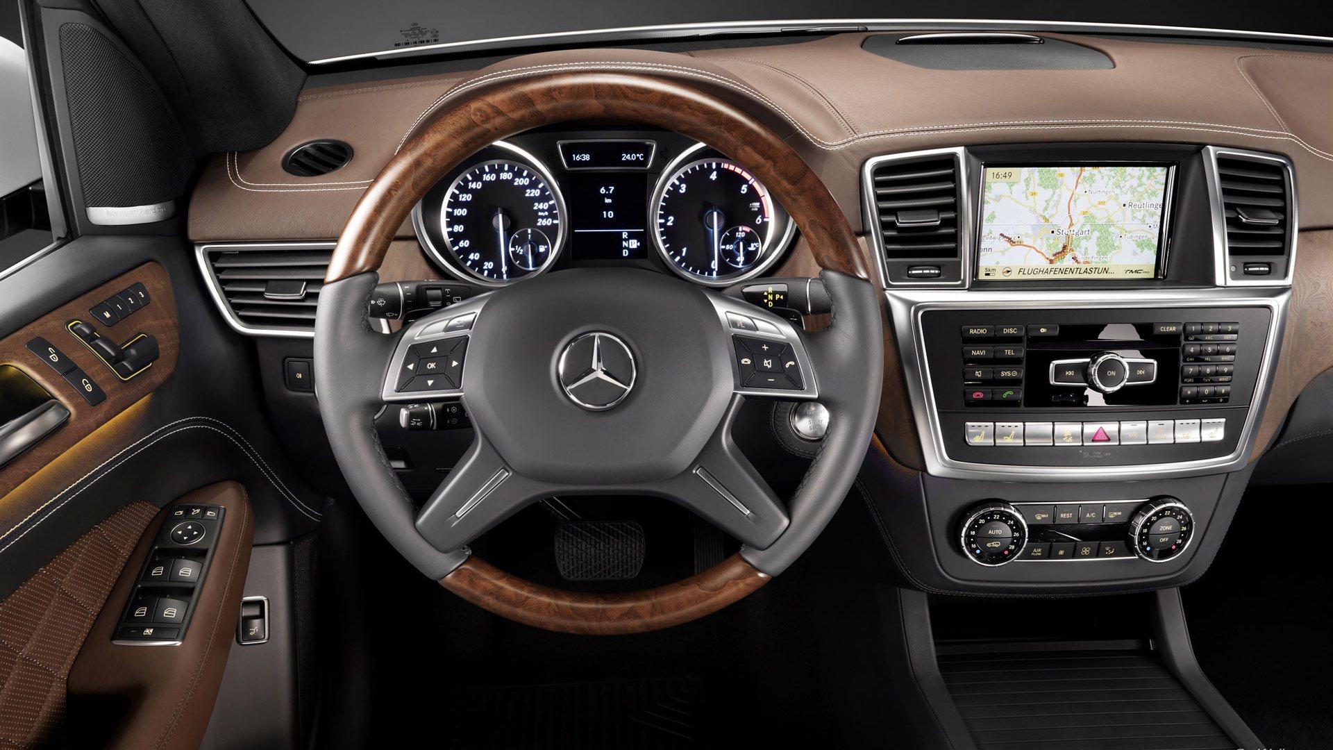 Навигация в Mercedes ML