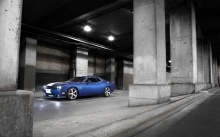 Dodge Challenger SRT, Додж Челленджер, синий, мускулкар, колонны, ксенон