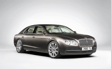 Четырехдверный Bentley Flying Spur класса Гран Туризмо