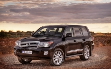 Новый Toyota Land Cruiser 200, Тойота Ленд Крузер, поле, небо